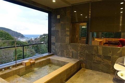 ホテル四季の蔵 森の棲家AZITO 静岡県