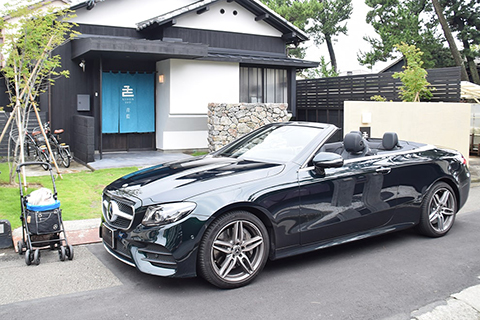 【E 400 4MATIC Cabriolet Sports】の愛犬旅適正度に中村が迫る!